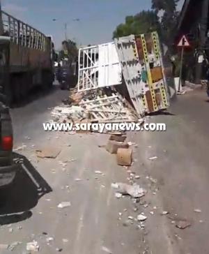 بالصور  ..  عين الباشا : اصابة (7) اشخاص بحادث تدهور شاحنة محملة بالسيراميك