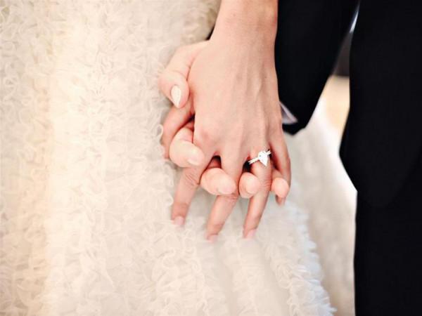 فتاة تسأل: تزوجت منذ ثلاثة شهور ومازلت عذراء ..  فما حكم الشرع؟