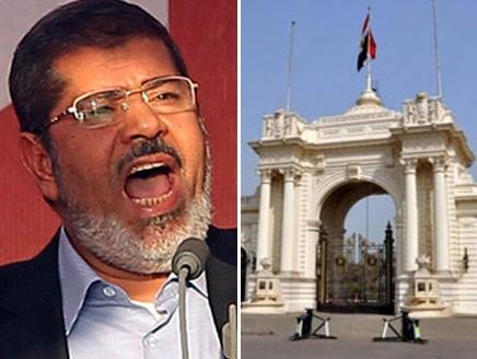 """المعارضة تطارد مرسي من """"الاتحادية"""" إلى قصر القبة"""
