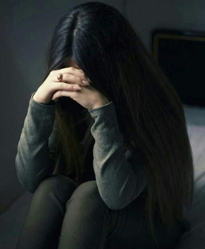 ضميري يأنبني والحزن يلازمني طوال الوقت !