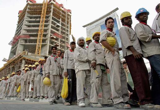 العمالة الوافدة تُحول 2 مليار دينار سنويا للخارج