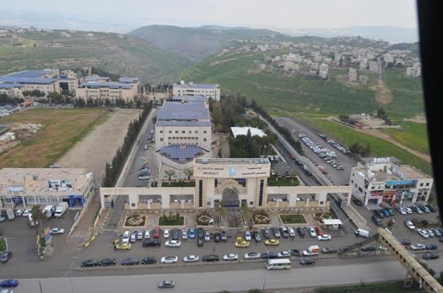 عمان الاهلية تنظم جولة بالهيلوكبتر فوق الجامعة وفي سماء مدينة السلط بالتعاون مع اكاديمية النسر الذهبي للطيران