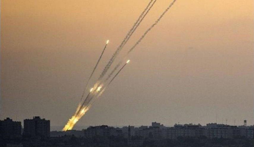 اطلاق 3 صواريخ على مستوطنات غلاف غزة