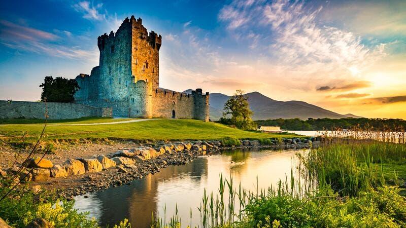 أبرز الوجهات السياحية في أيرلندا تقدم جولاتٍ افتراضيةً مميزةً