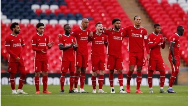 نجم ليفربول يلمح إلى إمكانية الرحيل عن الفريق هذا الصيف