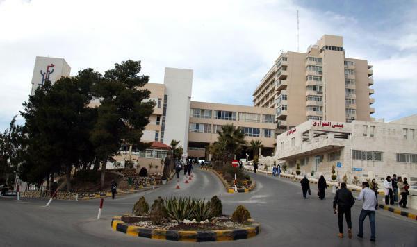 مستشفى الجامعة يوقف خدمة توصيل الأدوية