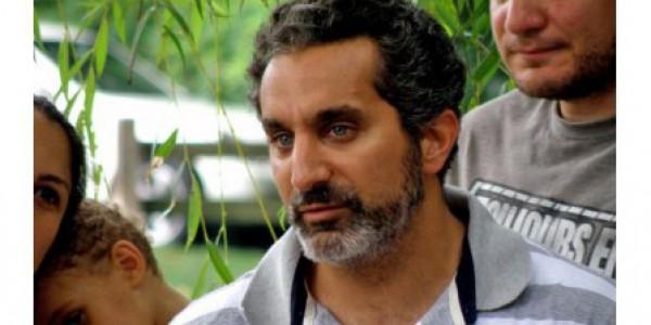 باسم يوسف يطالب وسائل الإعلام بالابتعاد عن جنازة والده