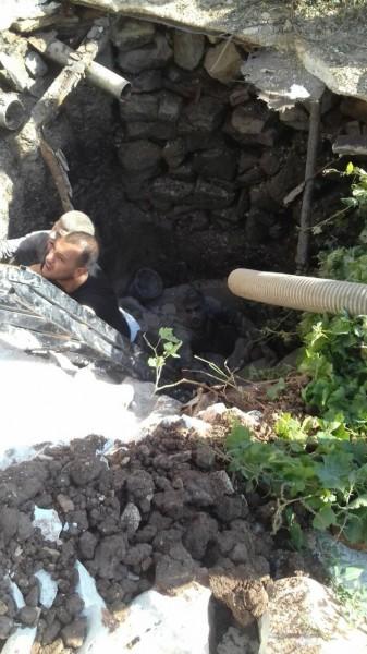 الدفاع المدني ينقذ ثلاثة أشخاص سقطوا بحفرة صرف صحي جنوب جنين