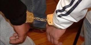 القبض على شخصين ابتزا مستثمراً عربياً وهددا باغلاق مصنعه ..  تفاصيل