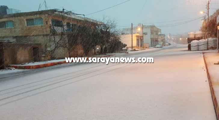 بالفيديو والصور ..  شاهدوا تراكم الثلوج بعجلون وتساقطها في مناطق أخرى من المملكة