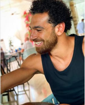 شاهد اللوك الجديد للنجم المصري محمد صلاح
