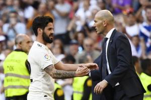 بالصور  ..  ريال مدريد يحقق فوزه الأول تحت قيادة مدربه الجديد القديم زيدان