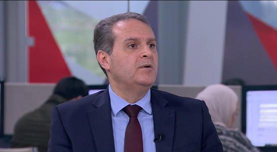 بالأسماء  ..  الهواري ينهي خدمات 41 موظفاً في وزارة الصحة  ..  وثيقة