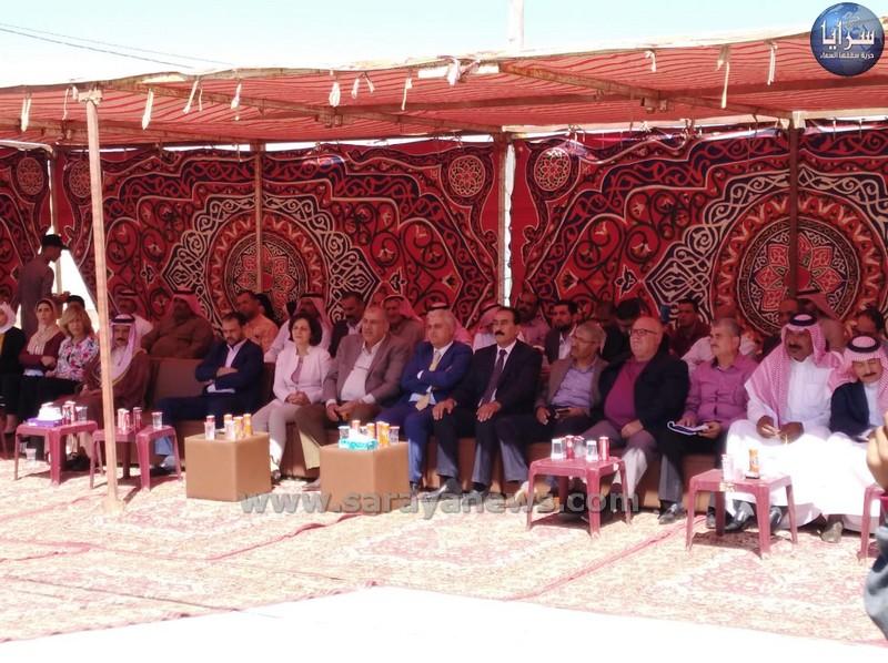 بالصور ..  وزيرة التنمية تتفقد مشاريع تنموية وجمعيات في البادية الشمالية الغربية