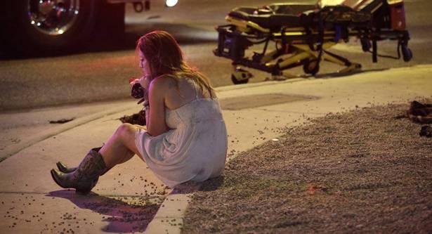 هاتف ذكي ينقذ حياة امرأة عند إطلاق النار في لاس فيغاس .. صورة