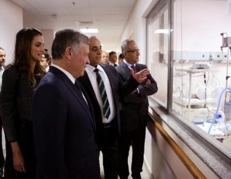 """جلالة الملك و الملكة يفتتحان مستشفى الزرقاء  الحكومي بكلفة 70 مليون دينار """" صور """""""