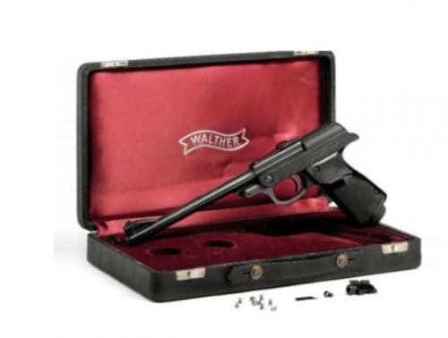 بيع مسدس جيمس بوند مقابل 256 ألف دولار