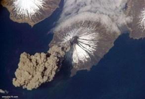 بركان روسي يثور وينفث دخاناً image.php?token=dedadf9d5cbf7d147460f321caa0065e&size=