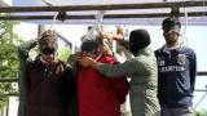 بالصور.. 22 سجيناً طلبوا العفو من خامنئي فأعدمهم