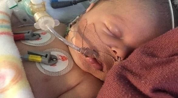 طفل ينجو من 3 نوبات قلبية سببتها نقطة حليب
