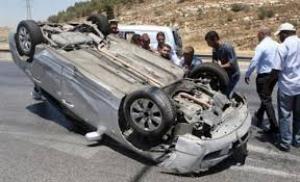 وفاة 3 شبان بتدهور سيارتهم على طريق البحر الميت