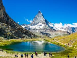 بالصور  ..  تعرف علي أجمل النشاطات المغرية التي تناسب جميع الأعمار في سويسرا