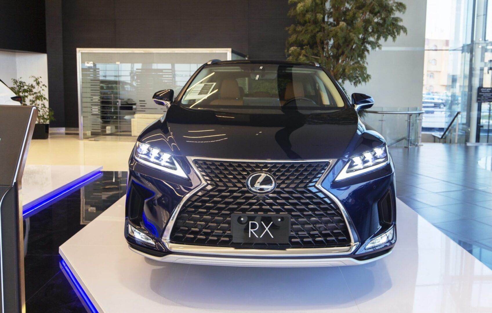 لكزس RX موديل 2021 أبرز المميزات والأسعار في السعودية