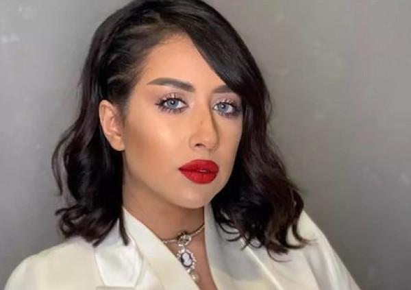 """فرح الهادي تصدم متابعيها بإعلان إصابتها بـ """"ورم"""""""