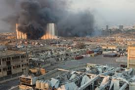 الصحة اللبنانية: مقتل 30 شخصا وإصابة أكثر من 3000 في انفجار مرفأ بيروت