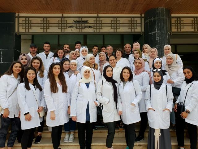 زيارة علمية لطلبة جامعة عمان الأهلية