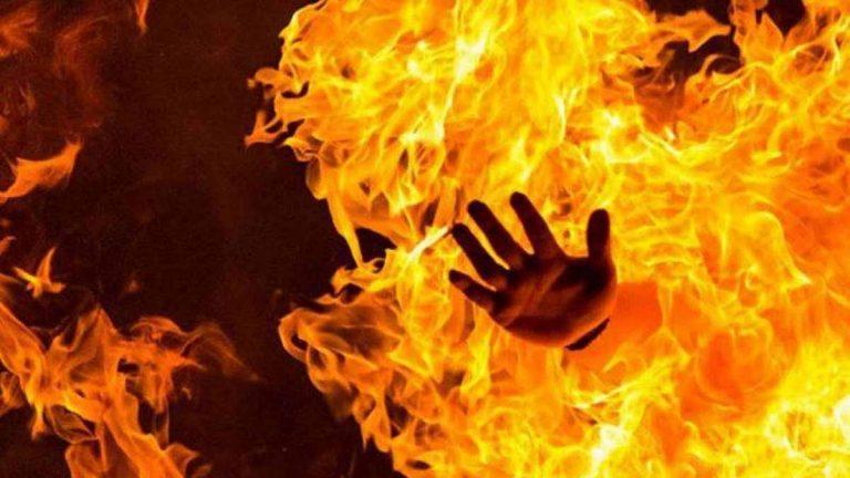 فلسطيني يحرق نفسه في غزة احتجاجًا على الأوضاع الاقتصادية