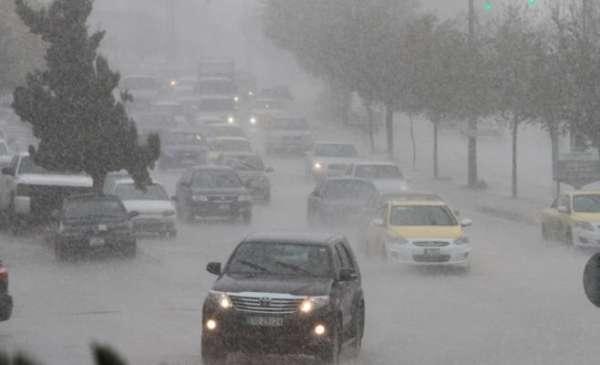 منخفض جوي وأمطار واحتمالية زخات من البرد الخميس والجمعة