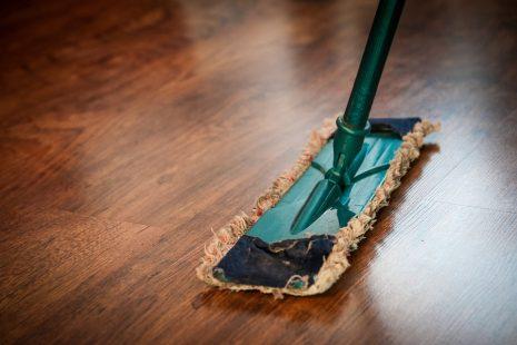 تفسير حلم رؤية تنظيف البيت والغرفة في المنام