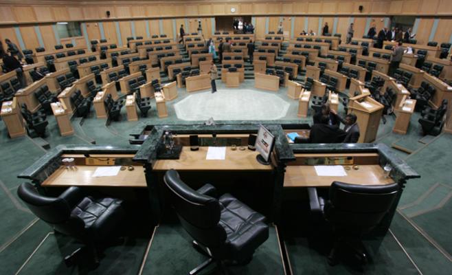 """السباق نحو """"كرسي العبدلي"""" يشتد سخونة وخريطة انتخابات """"النواب"""" تزداد فرزا"""