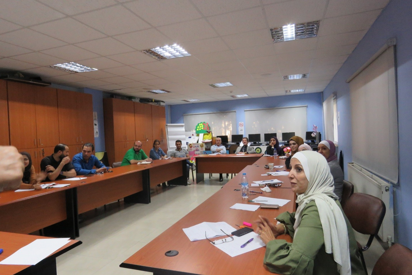مركز التطوير الأكاديمي بجامعة البترا ينهى دورة محادثة ثانية مجانية باللغة الإنجليزية