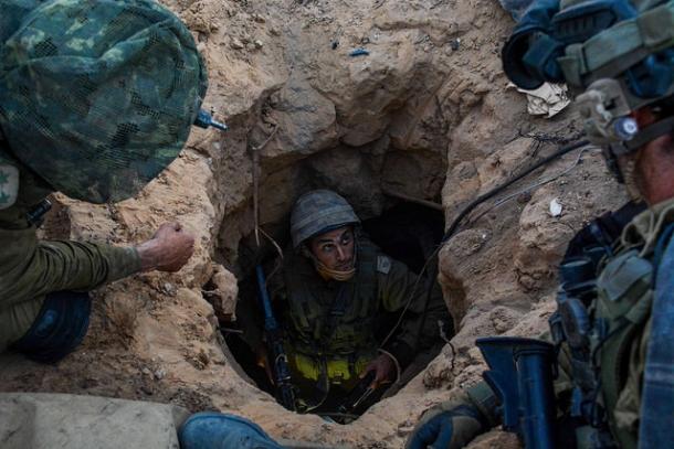 الاحتلال يعلن إحباط محاولة أسر جندي وسط القطاع