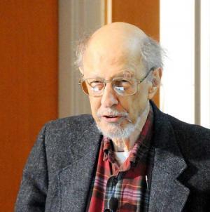 وفاة مخترع كلمة مرور الكمبيوتر عن عمر يناهز 93 عاما