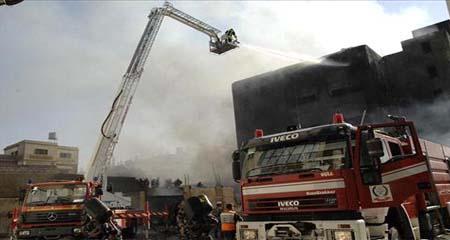 """وفاة سيدة واصابة 9 اشخاص بحريق شقة في """"حي المهاجرين"""" بعمان"""