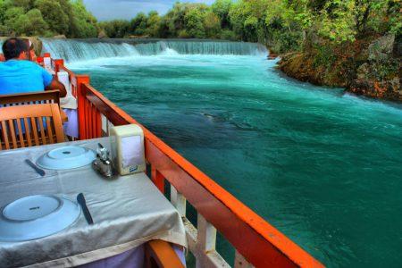 بالصور  ..  كل سحر الطبيعة في شلالات مانافجات في تركيا