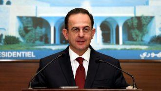 وزير لبناني: تخفيض رواتب رئيسي الجمهورية والحكومة والوزراء والنواب 50%