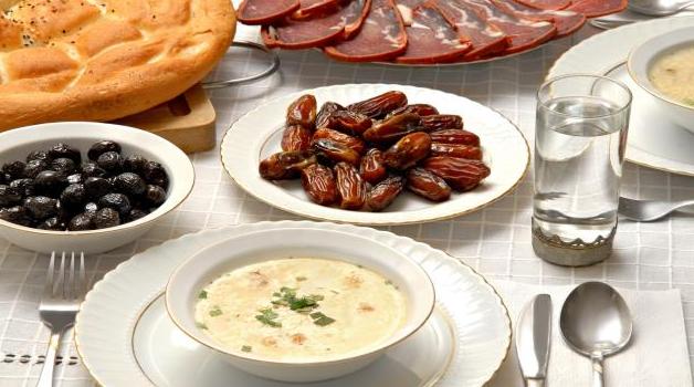 العطش في رمضان: أسباب وحلول