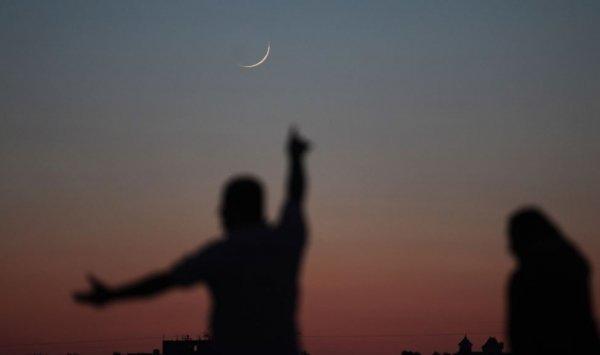 مفتي المملكة: تعذر رؤية هلال شوال اليوم ..  والخميس أول أيام عيد الفطر المبارك