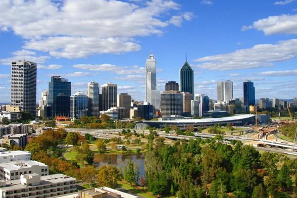 بيرث الأسترالية: مدينة مثالية للعيش بين أحضان الطبيعة .. صور