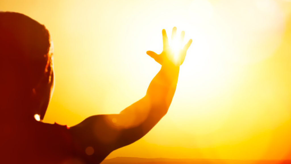 تحذير من خطورة التعرض المباشر لأشعة الشمس