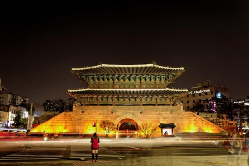 بالصور  ..  جولة سياحية لا تنسى في بوابة الحجر كوريا الجنوبية