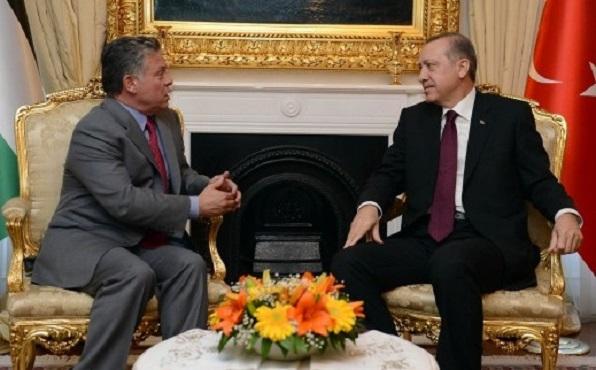 الملك يستقبل اردوغان في قصر الحسينية