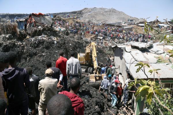 22 قتيلاً بانهيار أرضي في أثيوبيا