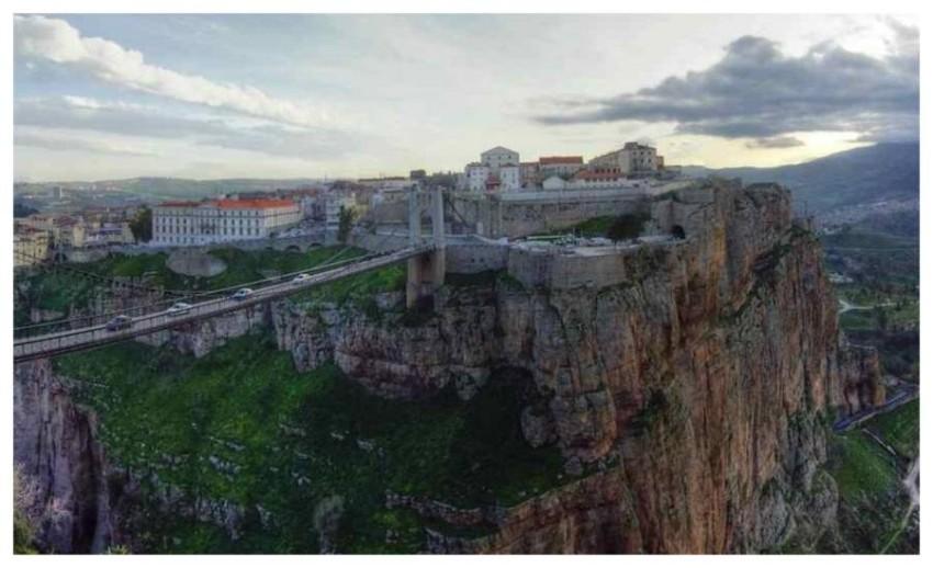 قسنطينة ..  مدينة الجسور المعلقة بالجزائر