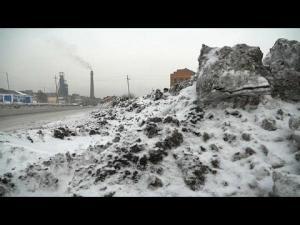 بالفيديو : شاهد ثلوج سوداء في سيبيريا بسبب التلوث