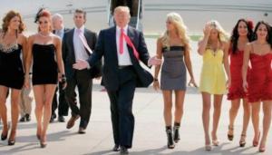 """الممثلات الإباحيّات اللاتي أقام معهنّ """"ترامب"""" علاقات جنسيّة يُحاصرنه  ..  هذا ما قررّته إحداهنّ"""
